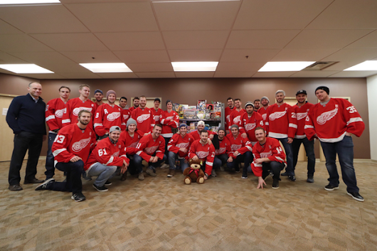Children's Hospital visit puts Red Wings' problems in perspective