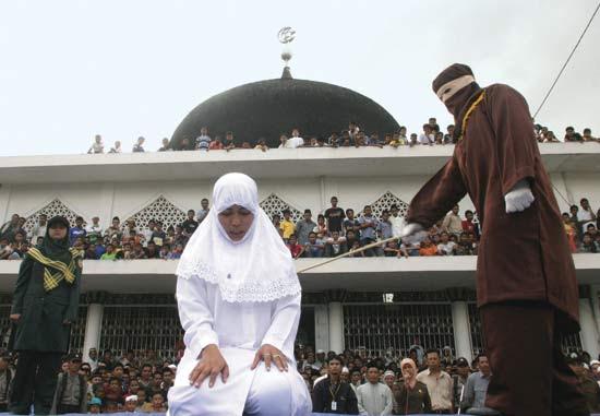 http://www.topnews.in/files/muslimLaw.jpg
