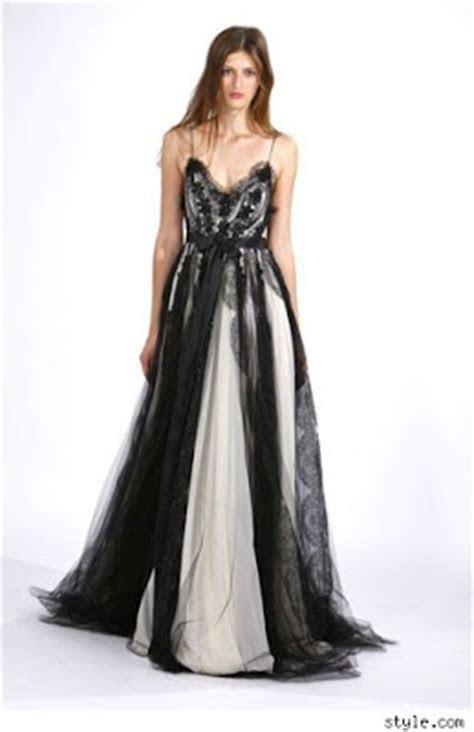 Black and White Wedding Dress Decoration Designs   Wedding