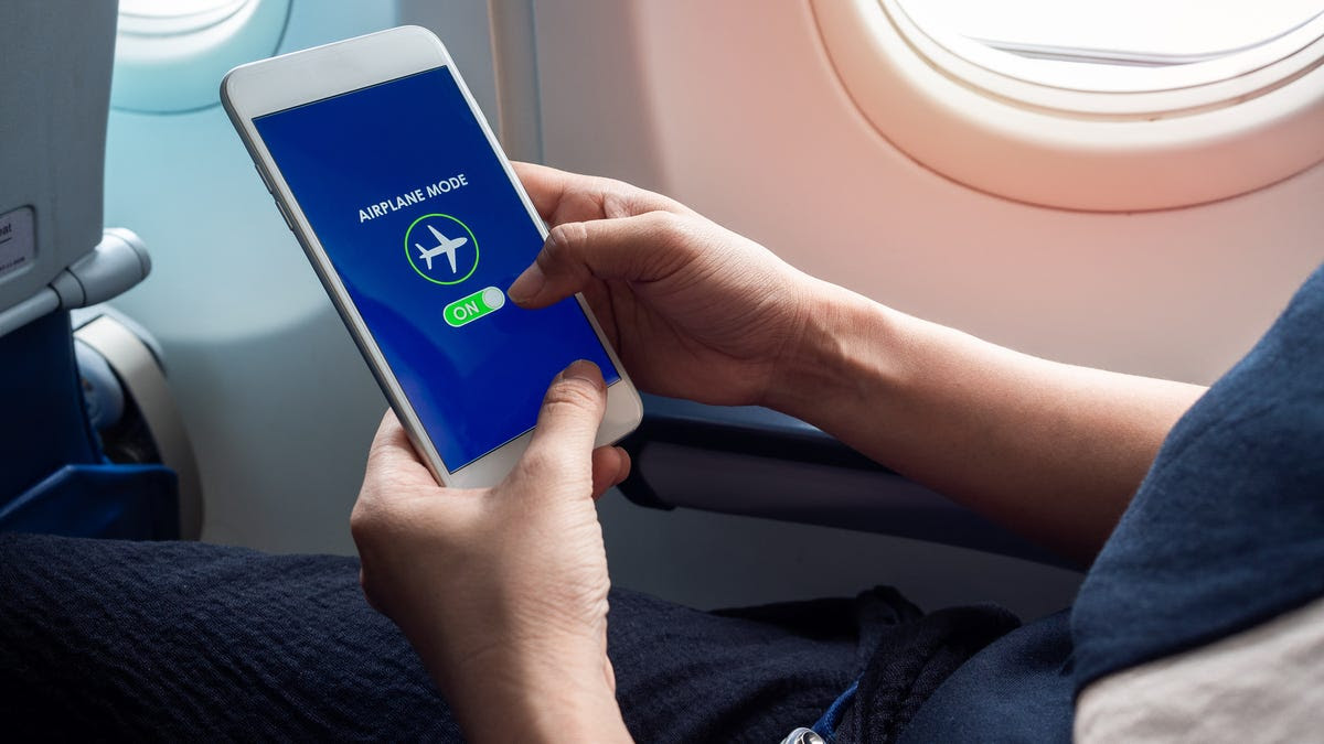 Ask the Captain: Why do I have to put my phone in airplane mode?