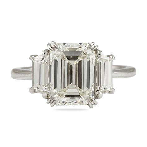 3.01 CT EMERALD CUT DIAMOND PLATINUM ENGAGEMENT RING