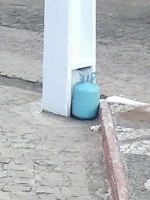 Cilindro de gás foi confundido com bomba neste domingo em Natal (Foto: Di/Polícia Militar do RN)