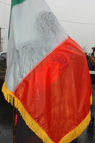 wet under flag4-1 vertweb