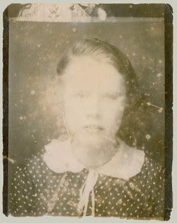Photobooth Fading Girl