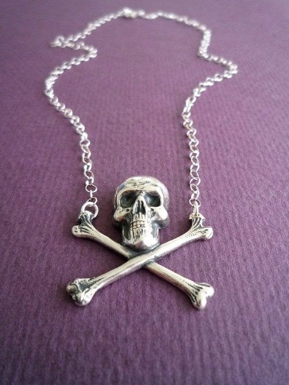 """skull and crossbones necklace in silver"""