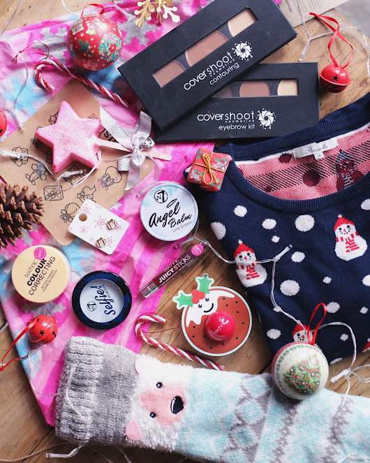 Blogger @tessaholly UK Giveaway: Christmas Bundle Giveaway - Closes 18th Dec 2017 - Bloggers Required