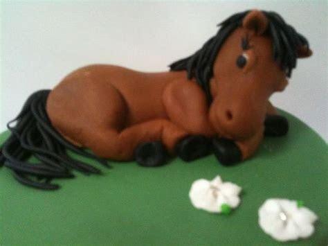 Best 25  Horse cake toppers ideas on Pinterest   Fondant