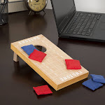 Hey Play 12-HY2738 Tabletop Cornhole Game - Football Field Theme
