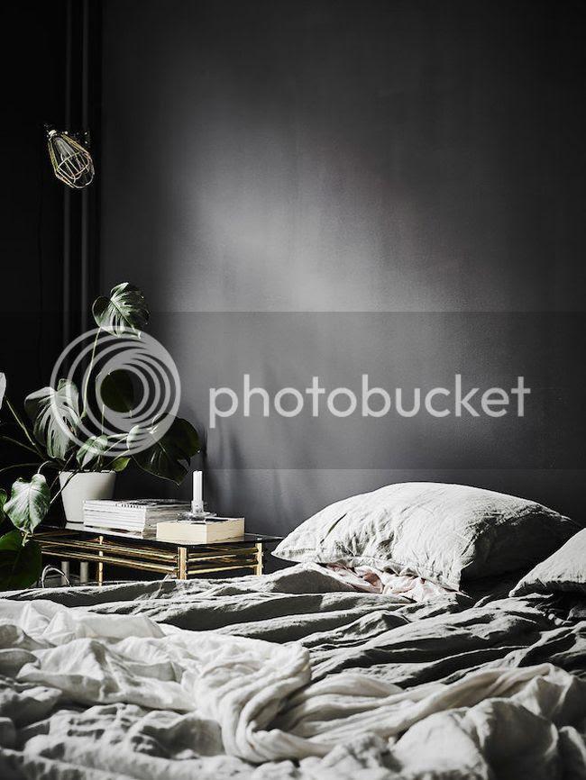 photo bedroom_zpsh8rrtjdl.jpg
