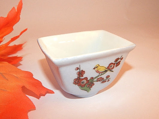 Japanese Sauce Dish Vintage China Tableware Bowl Deep Rectangle Dish Bird Floral White Dipping Bowl Trinket Dish Asian Home Decor