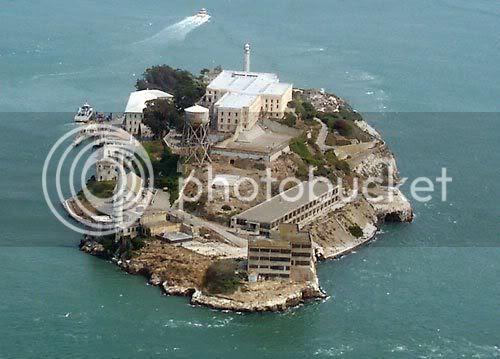 http://i667.photobucket.com/albums/vv35/Ryoaditya/GOGA-AlcatrazNPSphoto.jpg