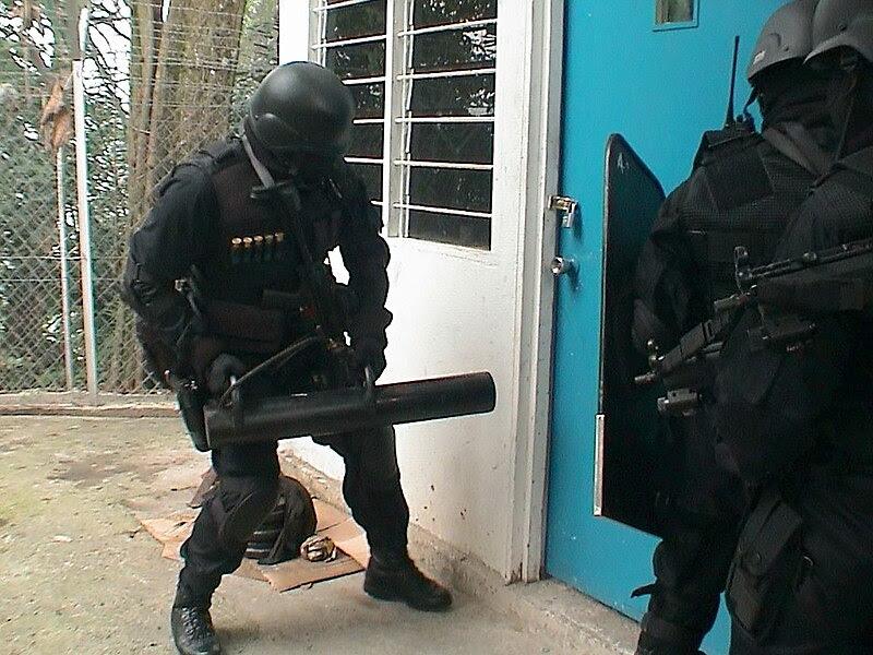 File:UTK PGK broke the door.JPG