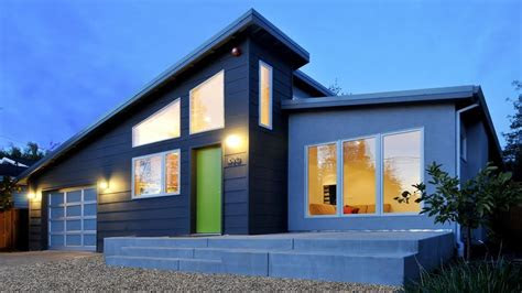 small modern house  cost effective accessories
