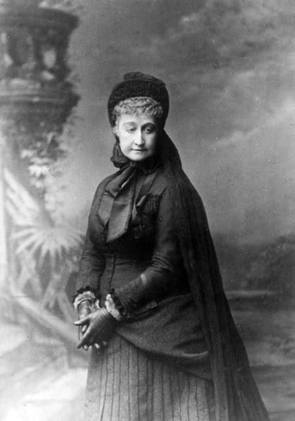 File:L'impératrice Eugénie en deuil 1880a.jpg