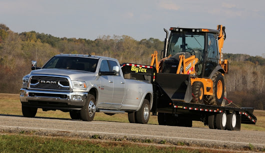 2017 Ram 3500 Receives Gold Hitch Award from The Fast Lane Truck