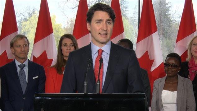 Le premier ministre Justin Trudeau a expliqué que le Canada n'avait pas besoin de l'aide offerte par d'autres pays pour combattre le feu de forêt qui fait rage à Fort McMurray.