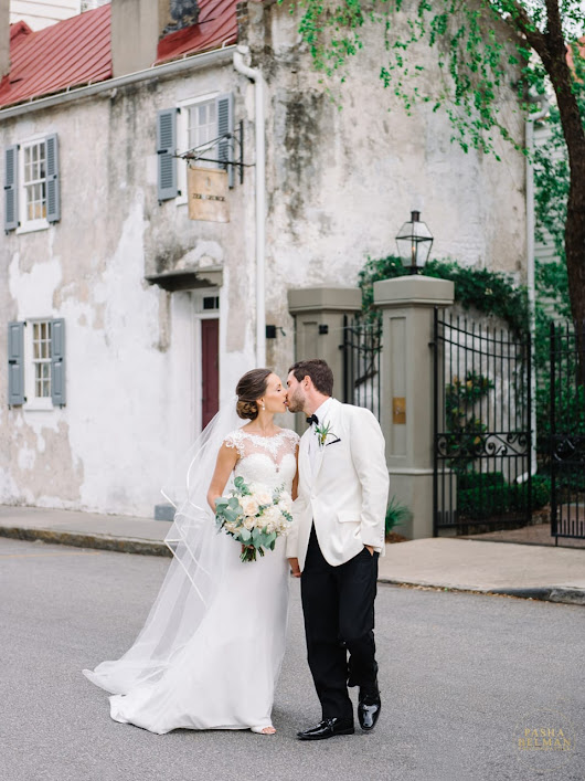 Leslie & Drew – The Gadsden House Wedding in Charleston