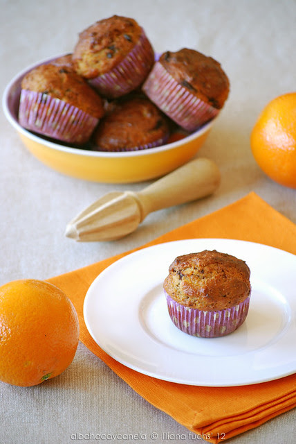 Lowfat orange chocolate muffins