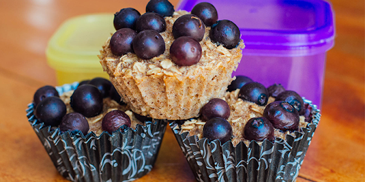 Baked Oatmeal Cups with Berries and Bananas - The Team Beachbody Blog