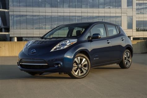 nissan leaf    compare   model