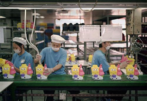 fabrica china trabajadores chinos mattel juguetes 18
