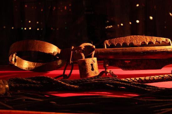 Museum of Medieval Torture Instruments: 4