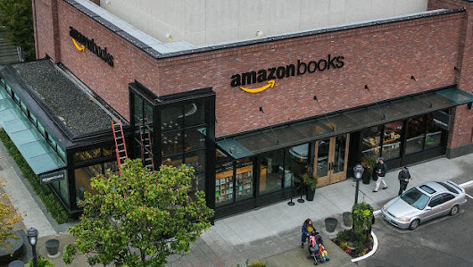 With Amazon Books, Jeff Bezos Is Solving Digital Retail's Biggest Design Flaw