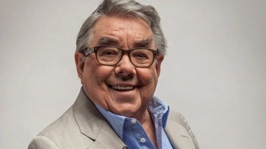 Ronnie Corbett, best known for The Two Ronnies, dies aged 85 - BBC News