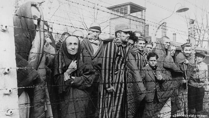 Timeline 2er Weltkrieg Auschwitz wird befreit (picture-alliance/dpa/akg-images)