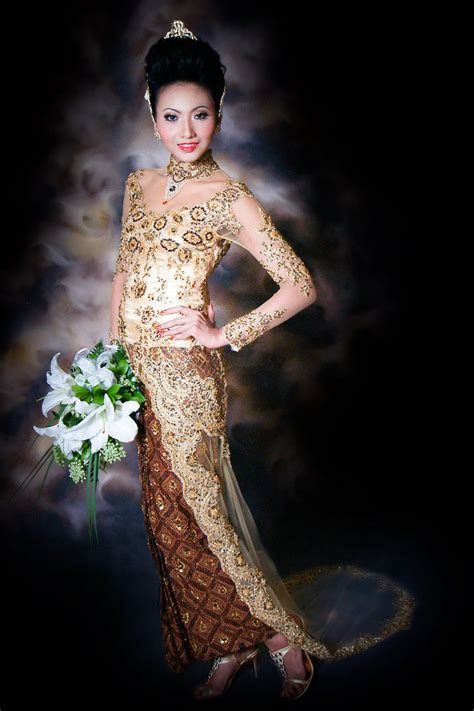 fashionloly dress kebaya indonesia anne avantie