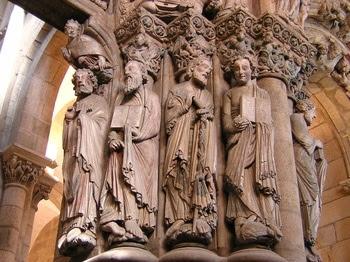 http://www.turnbacktogod.com/wp-content/uploads/2008/08/statues-of-prophets-on-the-portico-de-la-gloria.jpg