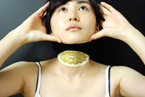 Juicy Girls 3-D body art by Hikaru Cho