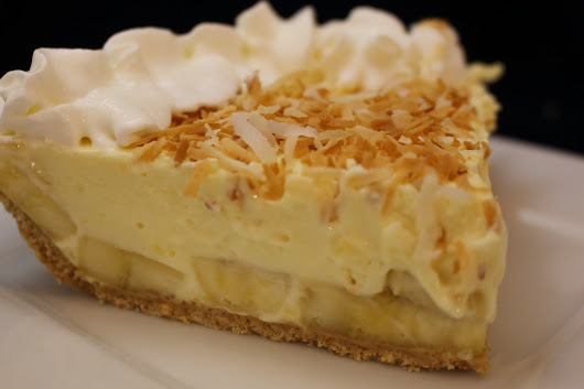Creamy Banana Pie with Coconut