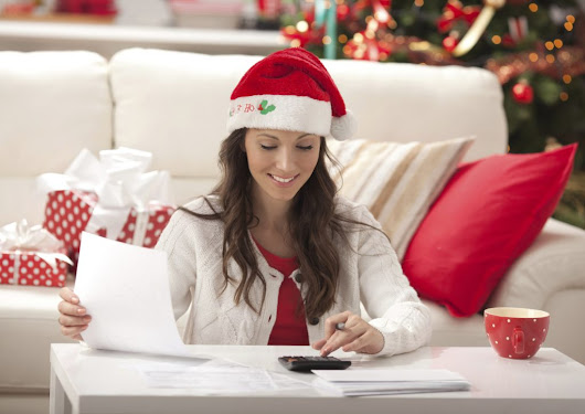 How Much Should You Save Up for Christmas? | GOBankingRates