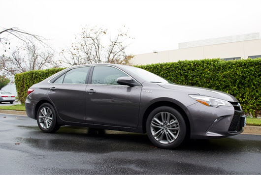 2015 Toyota Camry Hybrid Sedan - Driving Notes - Business Fleet