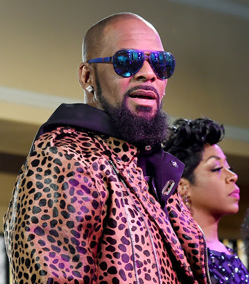 "Embattled US Singer, R.kelly Releases 19-Minute Track Titled ""I Admit"" (Photos)"