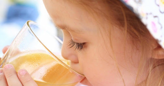 New fruit juice guidelines include big change for babies - CBS News