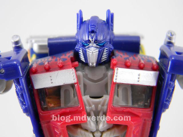 Transformers Optimus Prime DotM Deluxe - modo robot
