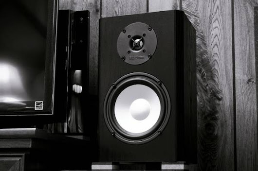 Axiom Audio M3v3 Bookshelf Speaker Pair - Black Oak
