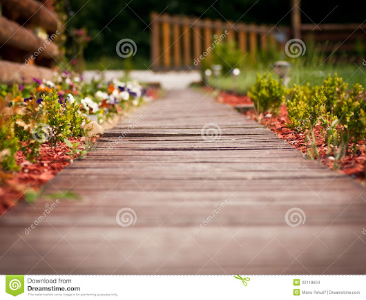 Wooden Pathway Through Garden Stock Images - Image: 20118604