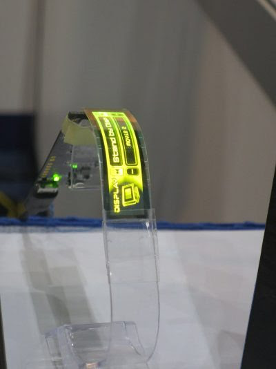 Kyulux and Wisechip unveiled a flexible HF PMOLED display | Kyulux