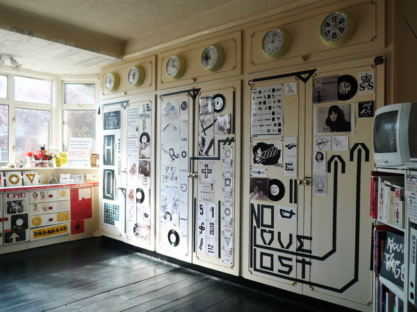 """Lee Stokes 
