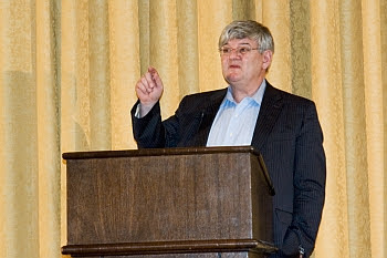 Joschka Fischer beim Votrag in Ann Arbor, Michigan League Ballroom © Cornelia Schaible