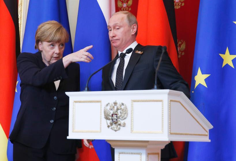 """Hình ảnh 10 bức ảnh tiết lộ lý do bà Merkel trở thành """"nhân vật của năm 2015"""" số 2"""