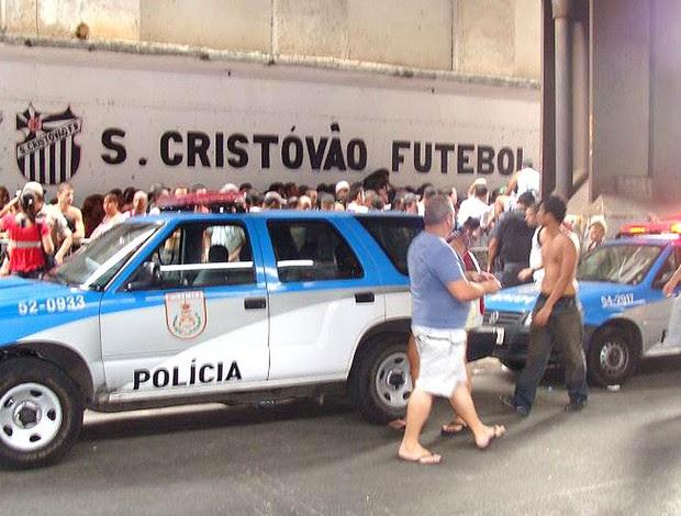 fila para comprar ingressos em São Cristóvão