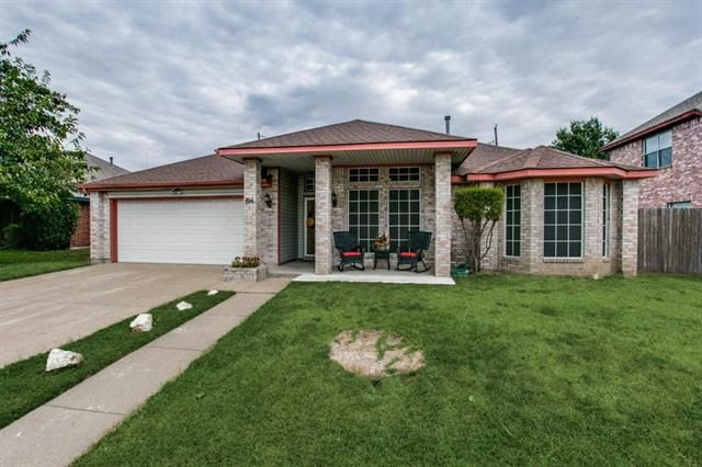 814 Miles Ln, Cedar Hill, TX 75104  Home For Sale and Real Estate Listing  realtor.com®