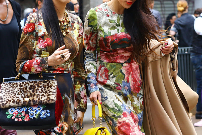 dolce-gabbana-tapestry-floral.jpg
