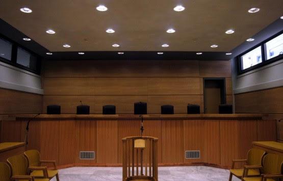 Καταδικάστηκαν τέσσερις αστυνομικοί για παράνομες ελληνοποιήσεις Αλβανών!