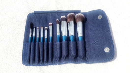 OVELLE MAKEUP BRUSH SET REVIEW - The Glossychic