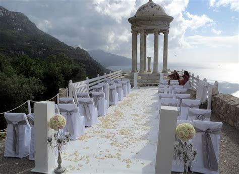 MyMallorcaWedding helps you find the church or venue for